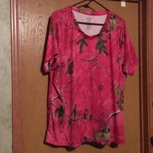 Hot pink Realtree T-shirt
